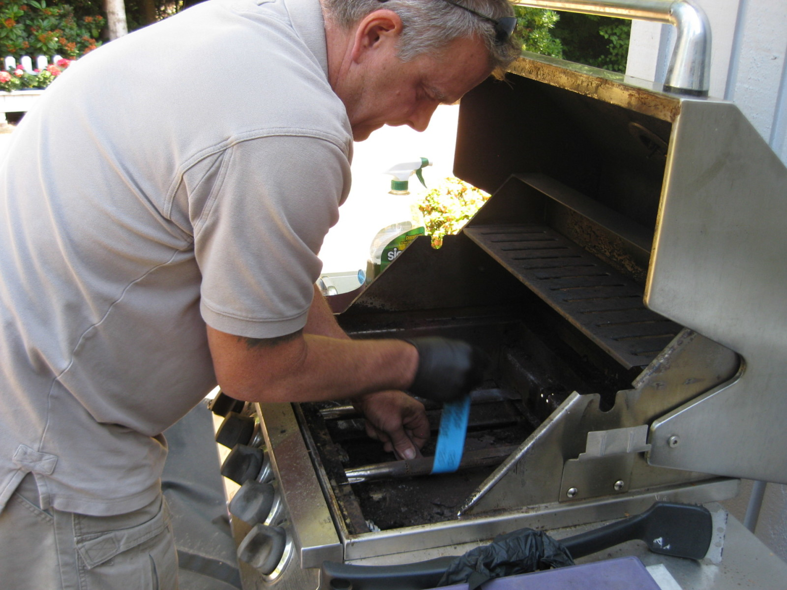 Repairing gas barbecue - B&C Comfort - Fireplace, HVAC, and barbecue