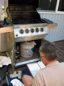 BBQ repair - Bob repairs and cleans a gas grill